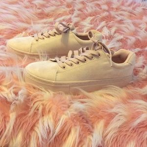 👟Brand New Rose Pink Sneakers👟